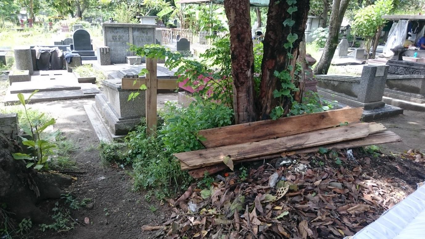 noel-beryl-and-roys-grave-february-2016