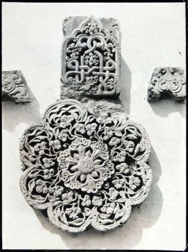COLLECTIE_TROPENMUSEUM_Reliëf_op_de_moskee_van_Mantingan_TMnr_60054167