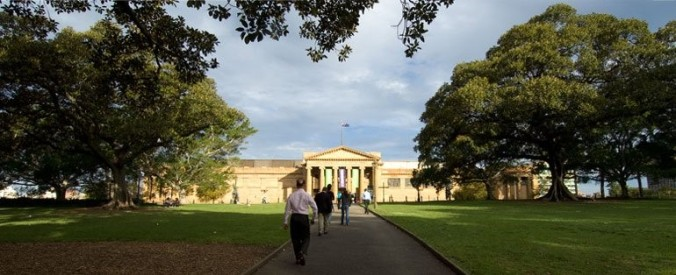 Approaching the Art Gallery of NSW from the Domain.jpg