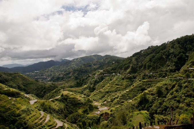 View of the town of Banaue from the Ifugao rice terraces, CEphoto Aranas.jpg